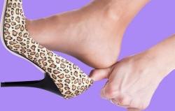 علت ورم پاها چیست؟ چرا پاهام ورم میکنه؟ | مجله هفتگی