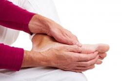 معمولترین عوامل ایجاد ترکهای ناشی از فشار در پاها | مجله هفتگی
